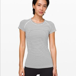 Lululemon swiftly tech SS SZ 6